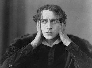 Ingolf Schanche as Hamlet, 1920. Public Domain